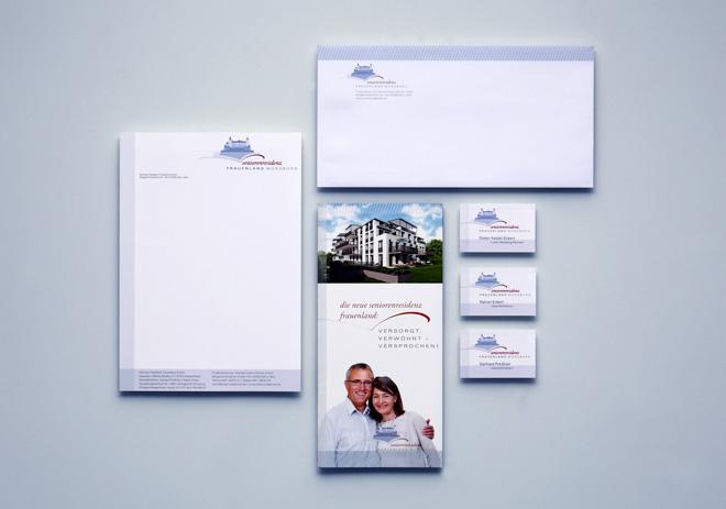 Geschäftsausstattung Briefpapier, Visitenkarte. Broschüre und Versandumschlag