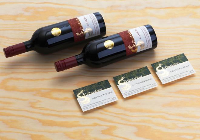 Bordeaux- und Burgunderetiketten Charisma und Sauvignon Blanc